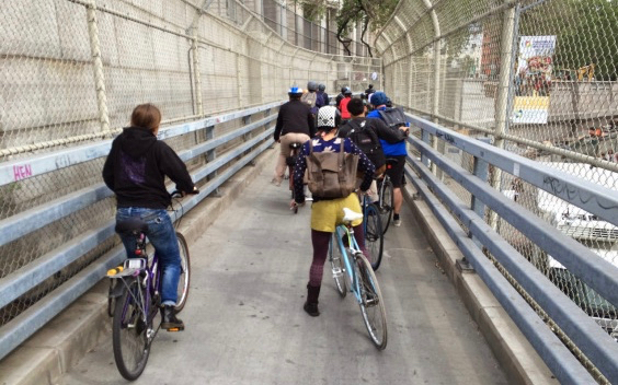 manhattan-bridge-bike-jam (1)